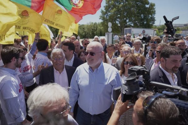 Strong socialist victory in Portugal.jpg