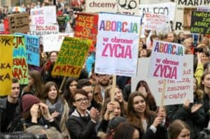 The Polish left and the Poland's women's fight for survival.jpg