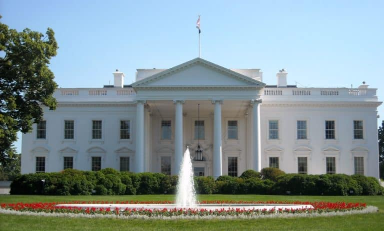 US Elections: The Post-Policy Campaign