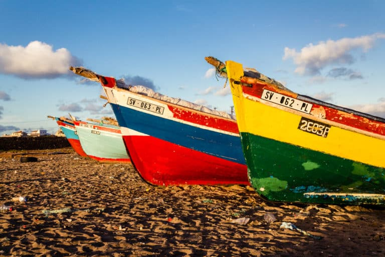 The imperfect democracy of Cape Verde: time to democratize democracy